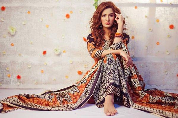 pakistani-actress-and-model-mathira-profile-004