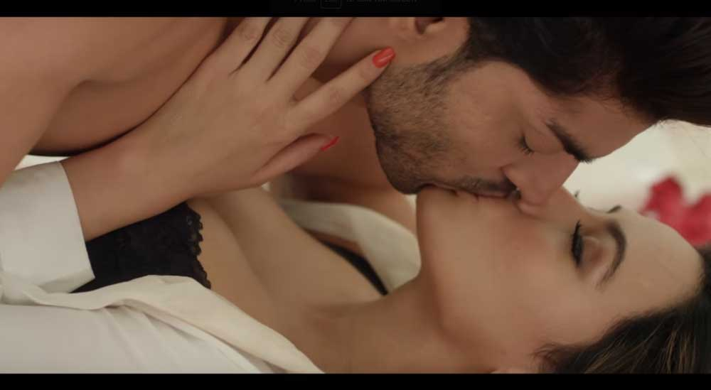 sana-khan-hot-scene