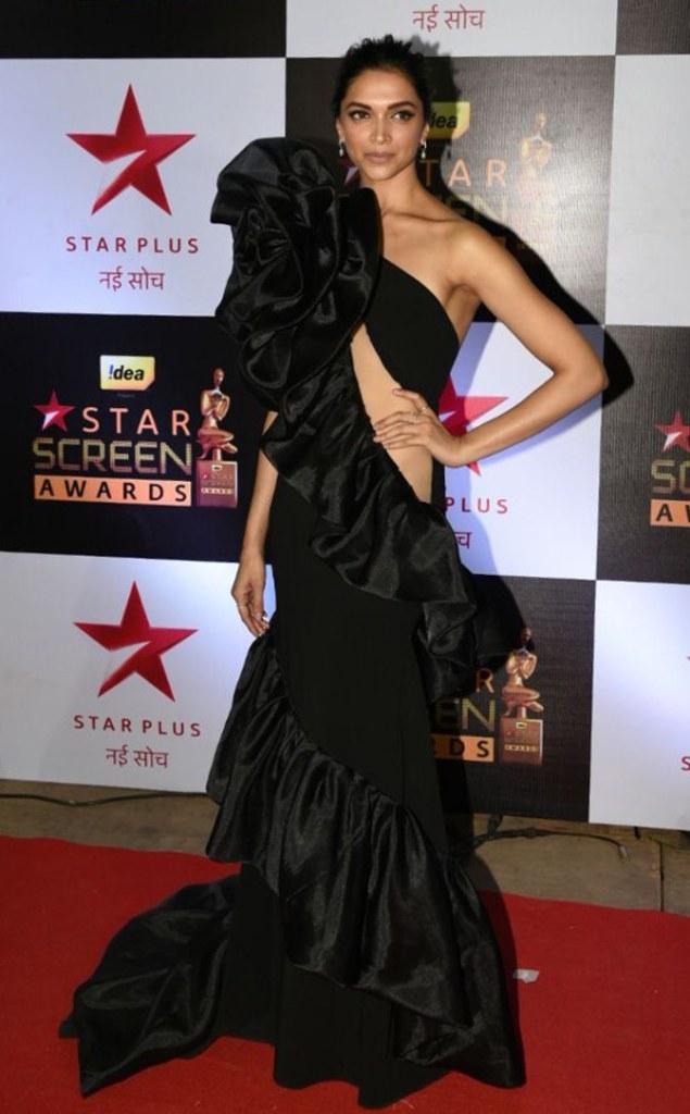 And Deepika Padukone has won it, at star screen awards