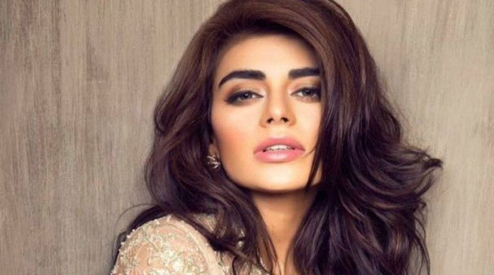 Sadaf Kanwal Became The First Pakistani Model to get 1 million followers on Instagram
