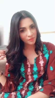 Zhalay Sarhadi video songs actress