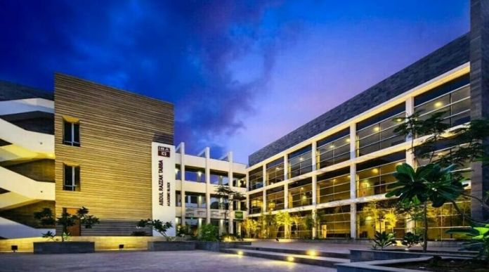 IBA Karachi Launches 2-Year Master's Degree in Data Science