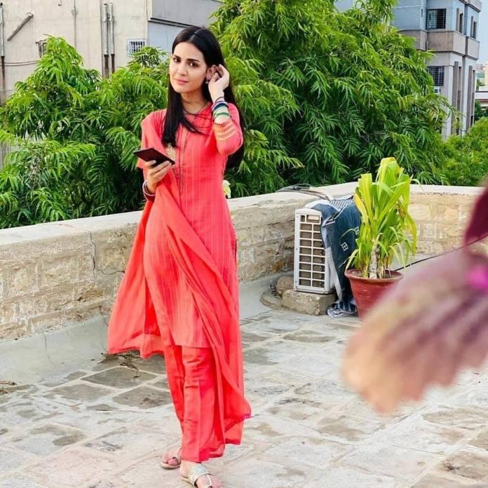 Madiha Imam orange dress beautiful