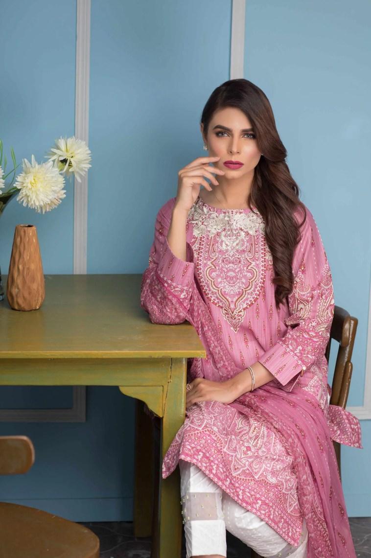 Refreshing Lilac Pakistani Ready To Wear Dress By Zeen Women 3 Piece