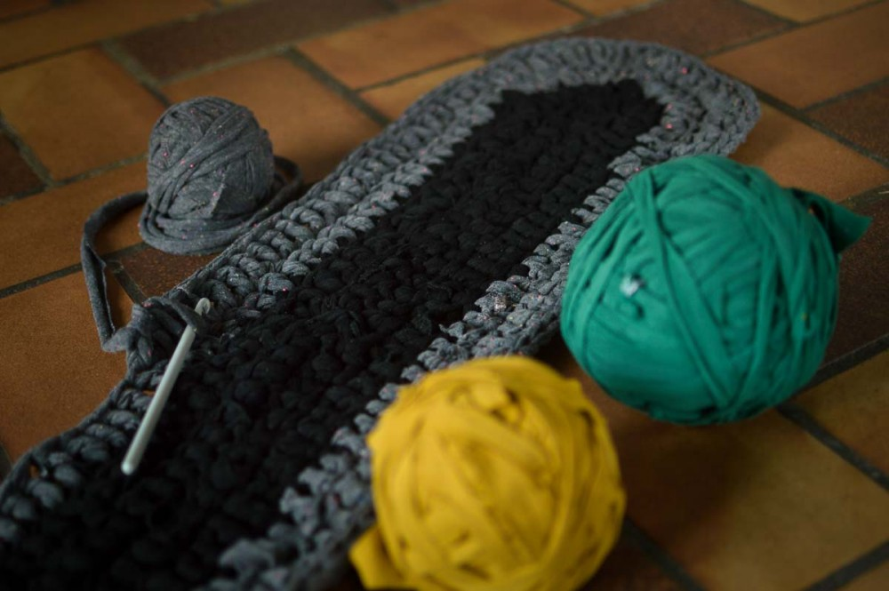 upcycled clothes crochet runner-4
