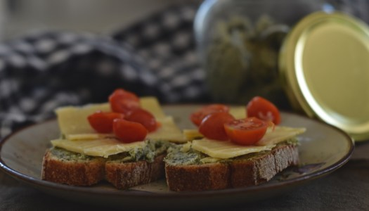 Vegetarian horseradish pumpkin seeds spread