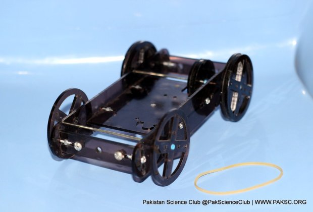 Make a Rubber Powered Car by STEM kit