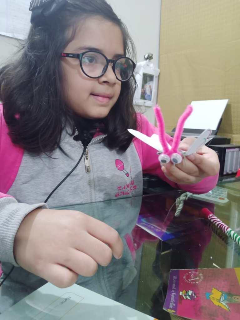 Kids making Solar bud during Pakistan Science Club online winter Camp
