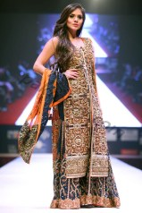 Mercedes-Benz-Pakistan-Fashion-Week-in-Doha-2015-1