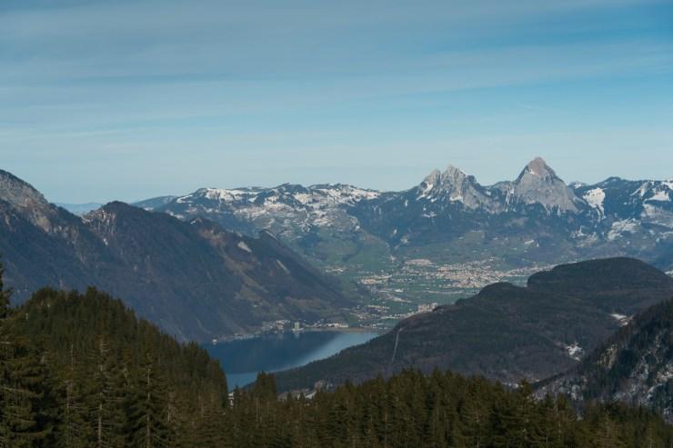 Klewenalp, maisemat järvelle ja vuorille