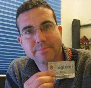 Paco con el carnet de socio del Espanyol