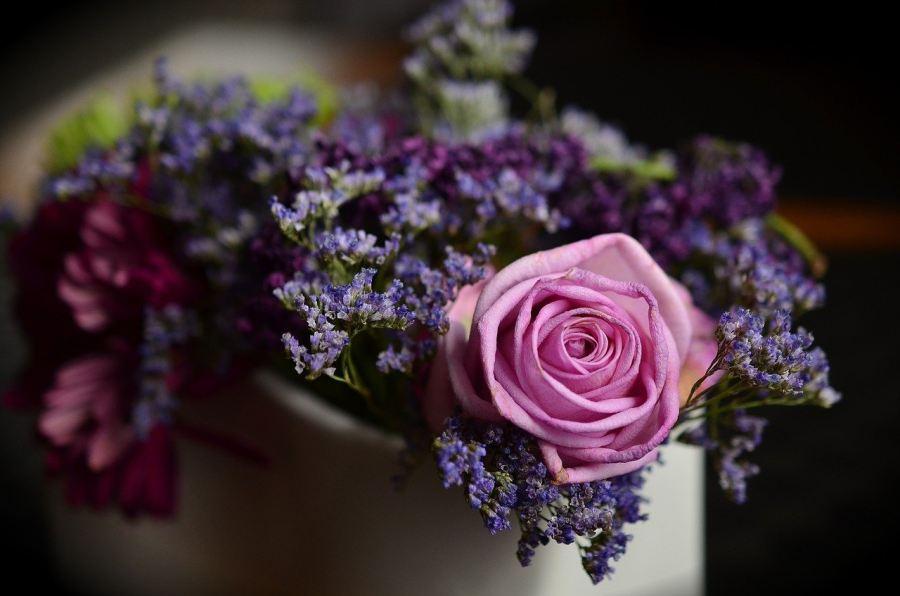 bukiet kwiatów - róża i lawenda