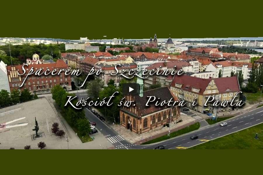 widok z drona na kościół św. Piotra i Pawła