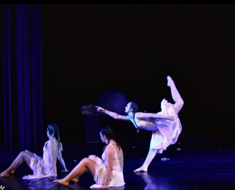 trzy tancerki nascenie