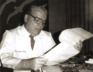 Dr. Martha Molina Bernadett