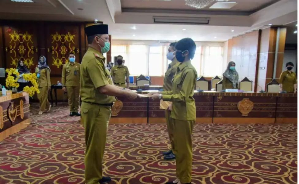 Lulusan IPDN Angkatan XXVII, Terima Surat Tugas Dari Sekda Provinsi Kalteng