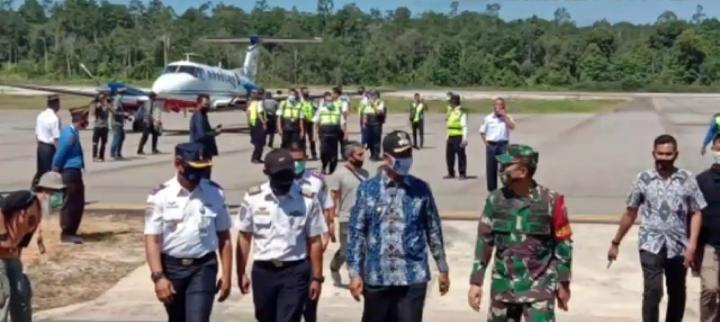 Bupati Barut, Ikut Penerbangan Perdana Uji Coba Bandara HM Sidik Gunakan Pesawat Balai Kalibrasi Kemenhub RI.