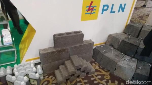 Bupati Apresiasi PLN TJB Jepara Salurkan Bantuan 32.600 Paving Faba