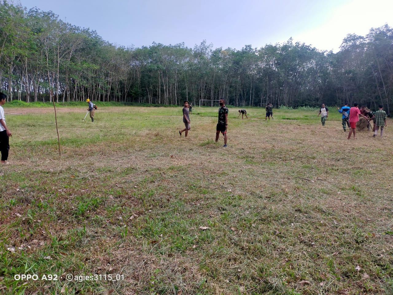 Lapangan Sepak Bola bisa manfaatkan Lagi Warga Berterima Kasih Kepada Satgas TMMD