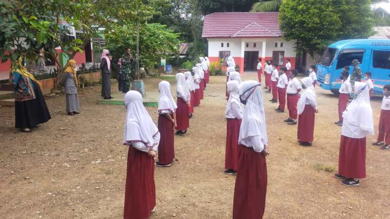 TMMD FORCES BUILDS STUDENTS DICIPLINE THROUGH DRILL COMMANDS TRAINING