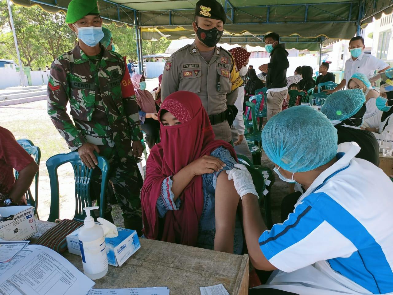 Babinsa Kelurahan Pangkut Monitoring Vaksinasi Pra Lansia