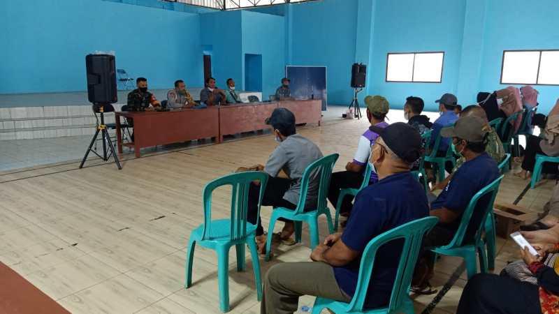 Hadiri Penyuluhan Vaksinasi Tahap II Desa Natai Kondang, Serda Wahyudi Himbau Warga Jangan Takut Divaksin
