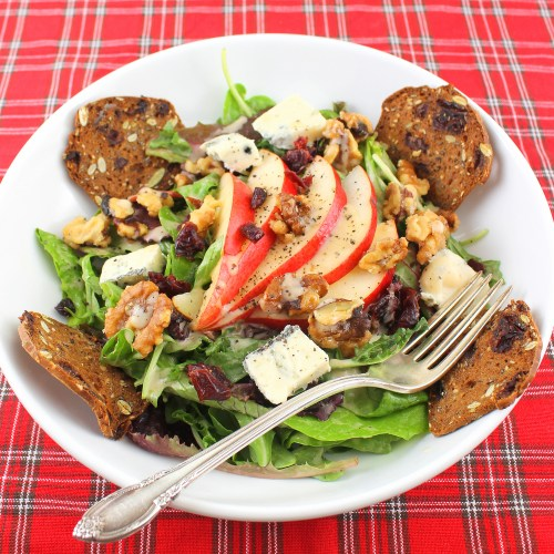 Salad with Cranberry, Pear, Walnuts & Gorgonzola