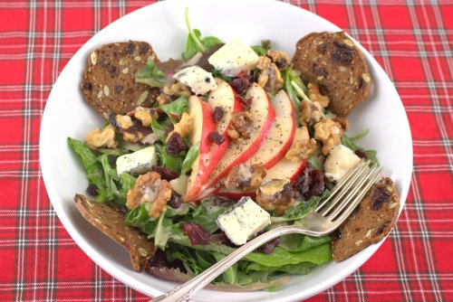 Salad with Cranberry, Pear, Walnuts & Gorgonzola