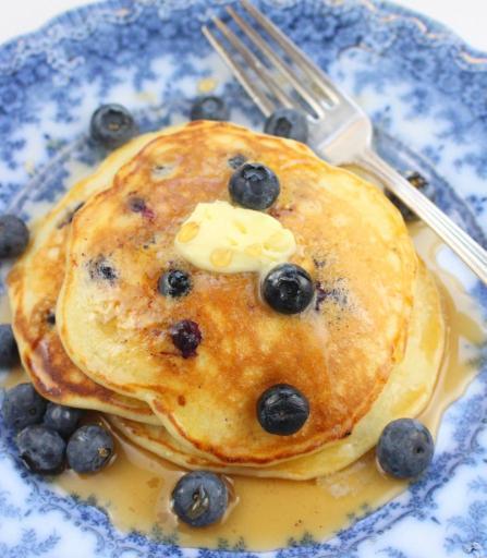 Chernika Oladi - Russian Blueberry Pancakes