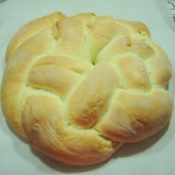 Baked Braided Brioche Ring