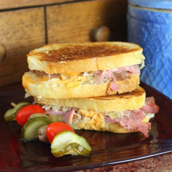 Corned beef for sandwiches as Reuben