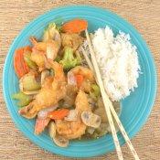 Hong Su Har (Crispy Shrimp and Vegetables in Brown Sauce)