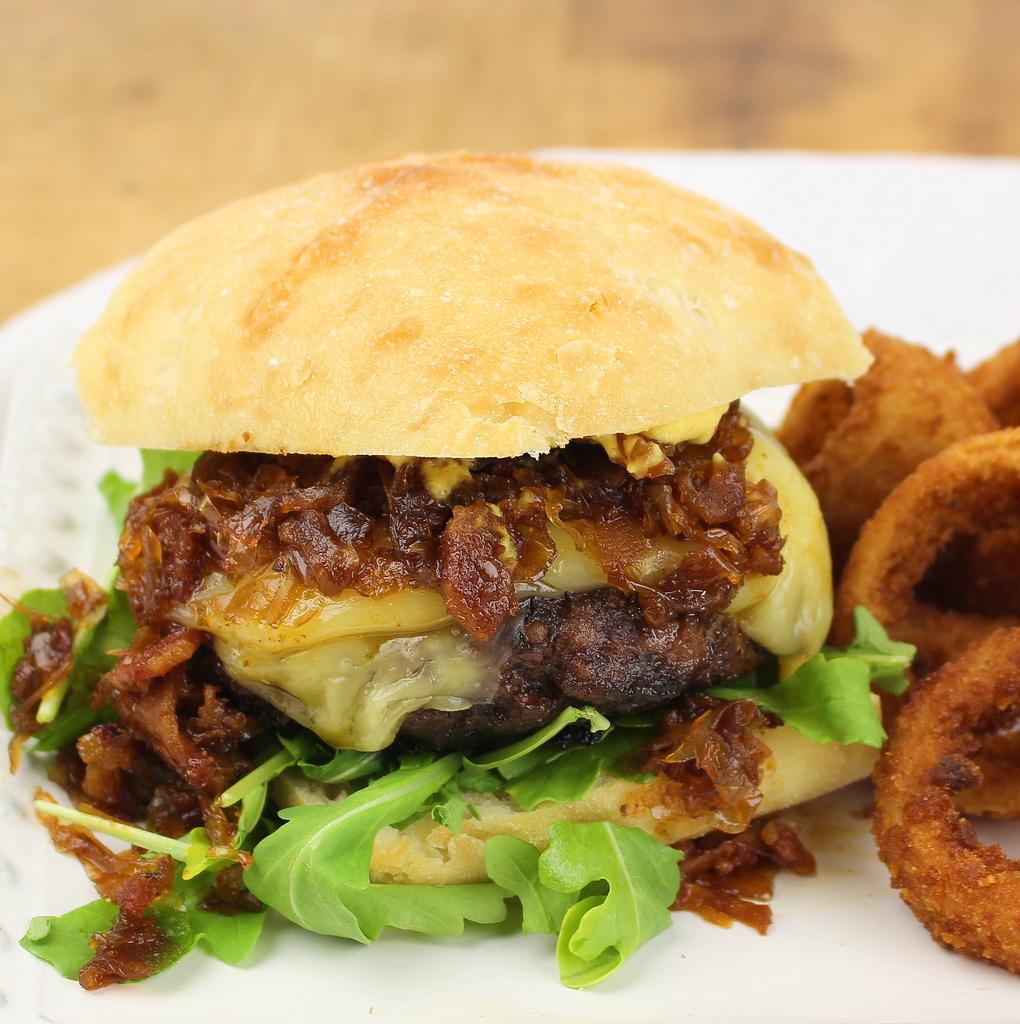 Burgers with Bacon-Sauerkraut Jam