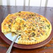 Quiche with Broccoli, Mushrooms and Kale
