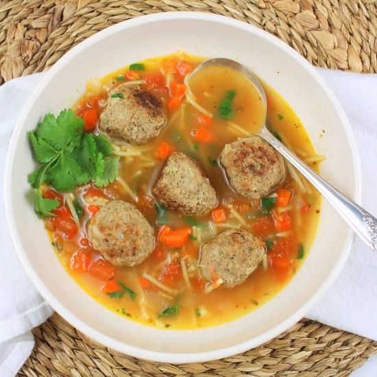 Meatball and Noodle Soup (Sopa Albondigas con Fideo)