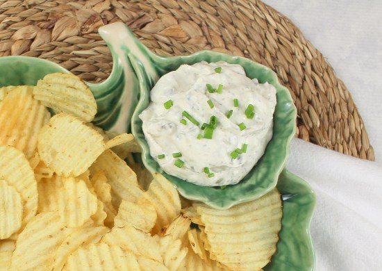 Spicy Garlic Dill Pickle Dip