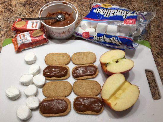 Assembling Caramel Apple S'Mores