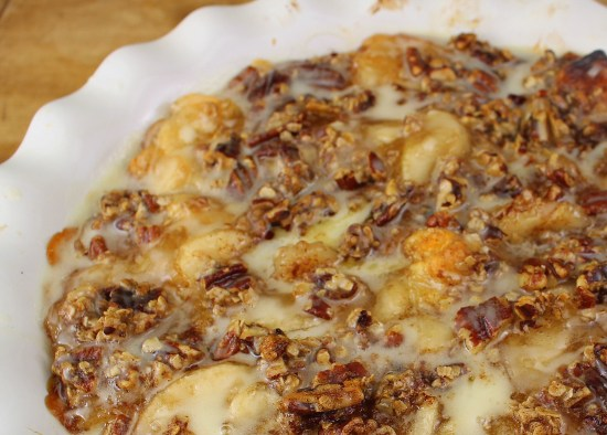 Easy Cinnamon Roll Apple Cobbler