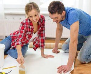Что делать сначала клеить обои или класть ламинат - инструкция