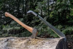Bush Knife vs Axe