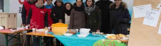 Il successo della Corsa dei Babbo Natale: 2.200 € alla scuola e culture diverse al ristoro