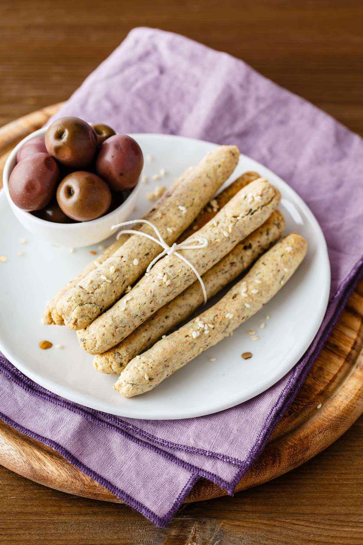 paleo sesame grissini breadstick recipe