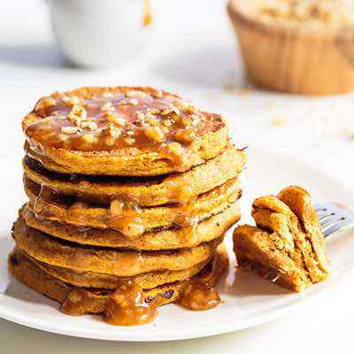 3-Ingredient Paleo Pumpkin Pancakes with Caramel Sauce