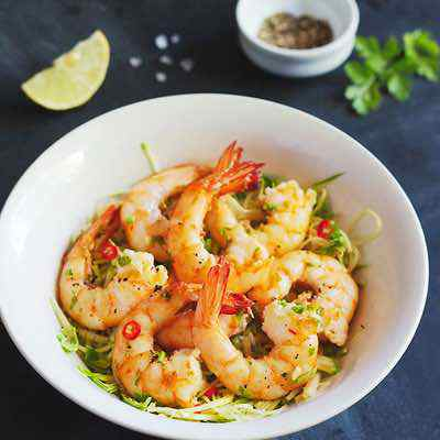 Low Carb Shrimp Scampi with Zucchini Pasta