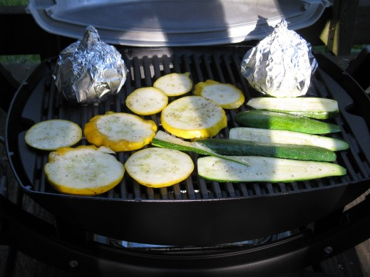 Veggies doin' their thing on the grill.