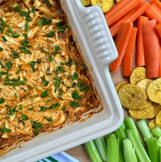Dairy-Free Buffalo Chicken Dip