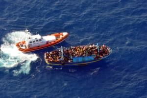 Nuovi sbarchi a Lampedusa Quasi 800 nordafricani in arrivo