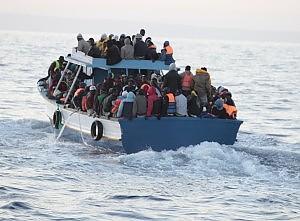 Lampedusa, l'odissea dei disperati arrivati oltre 270, già cinque vittime