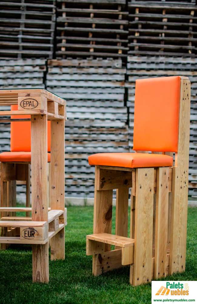 Mesa y sillas con palets palets y muebles - Sillas con palets ...