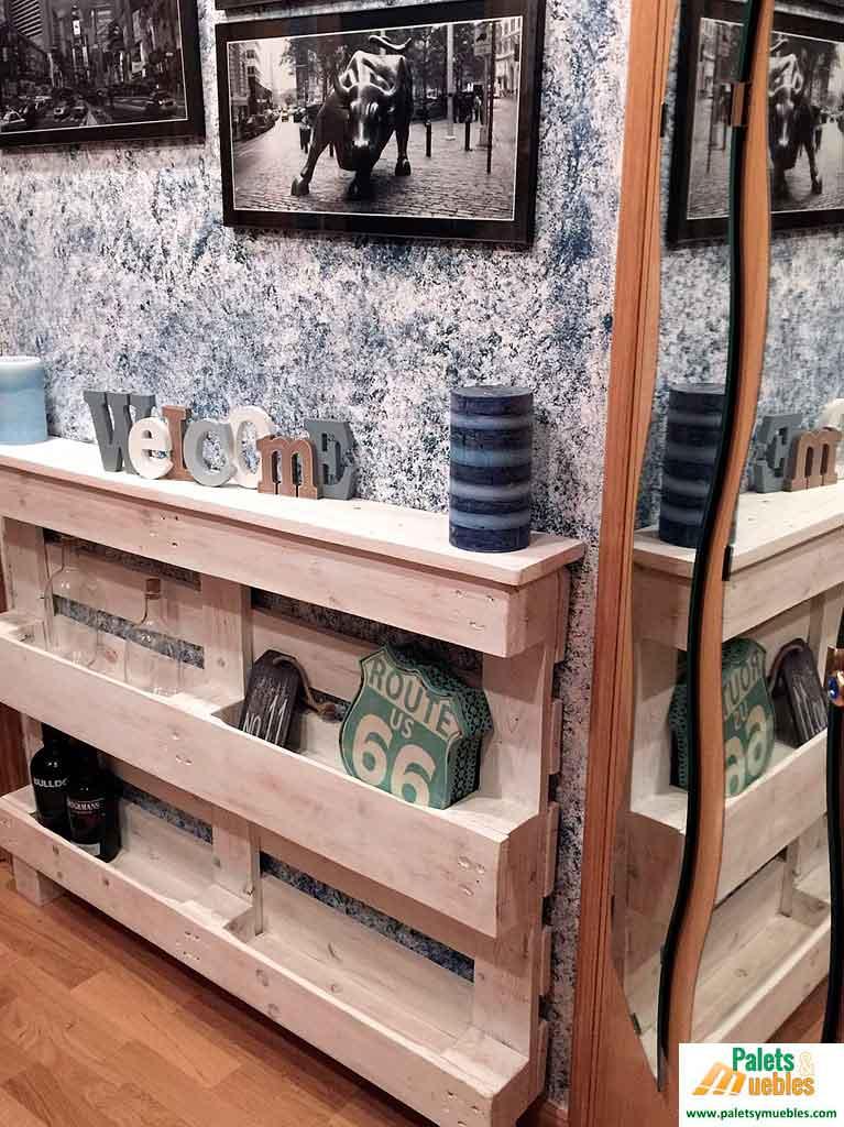 Mueble recibidor hecho con palets palets y muebles - Que hacer con un palet ...